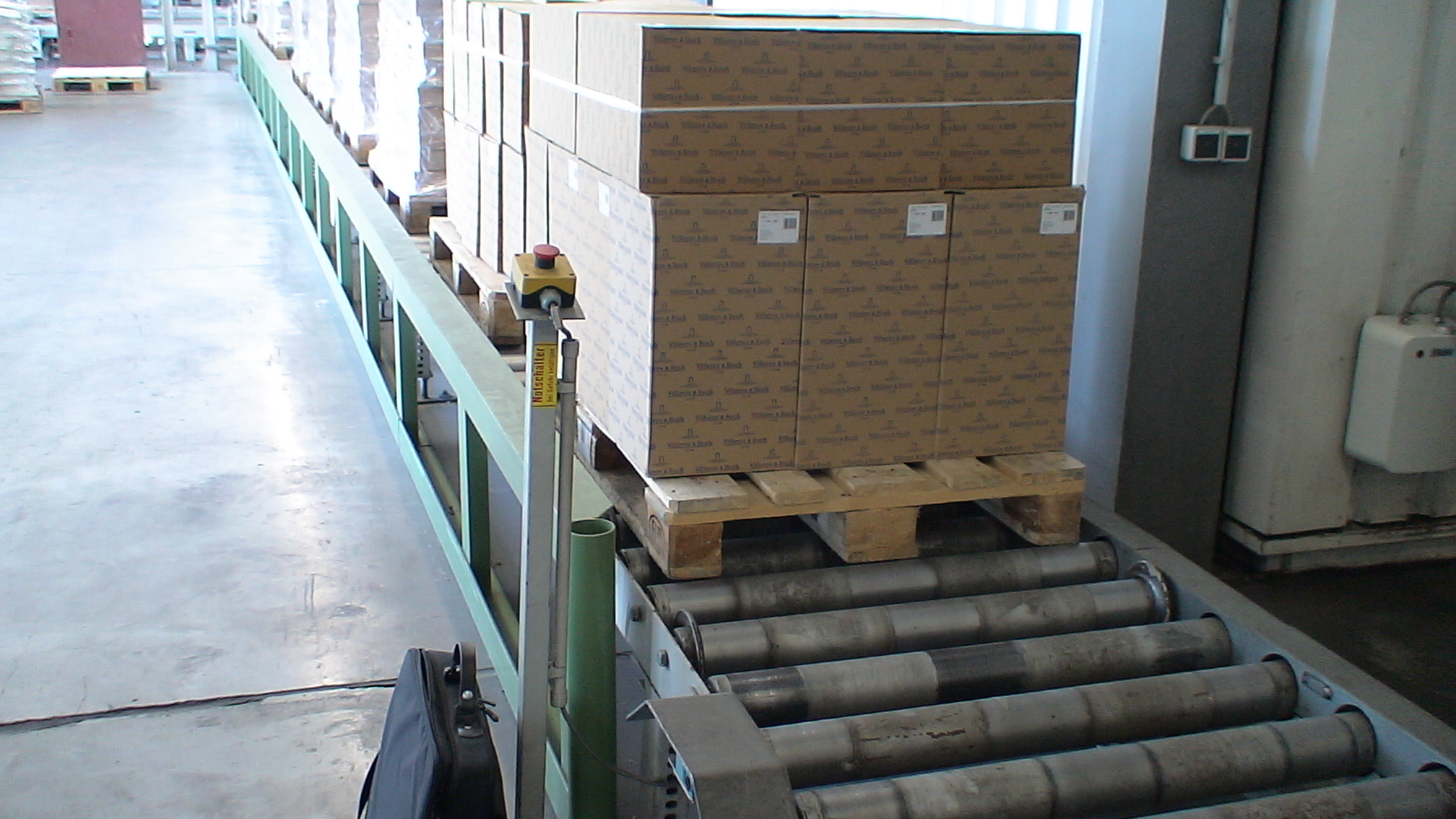 Pallet handling lines are an excellent investment