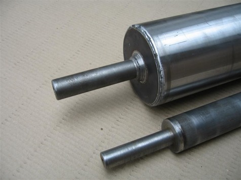 Gravity roller for medium weight loads RT2-60-12-M8