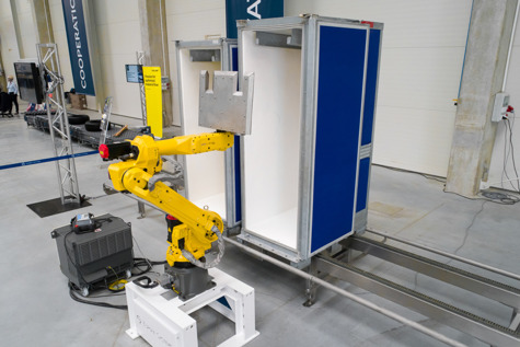Robo Wash and Dry powered by FANUC